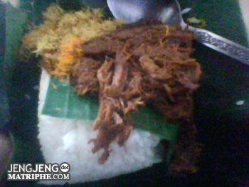 http://www.jadigitu.com/2012/10/10-sarapan-unik-khas-orang-indonesia.html